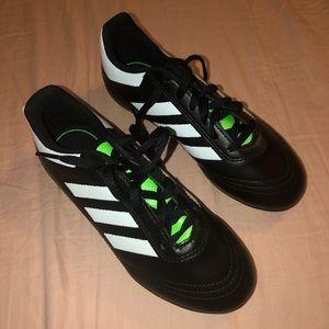 NWOT boys adidas soccer cleats